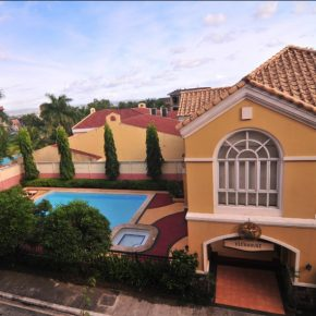 CONDOMINIUM FOR SALE: Mckinley Garden Villas, Bonifacio Global City